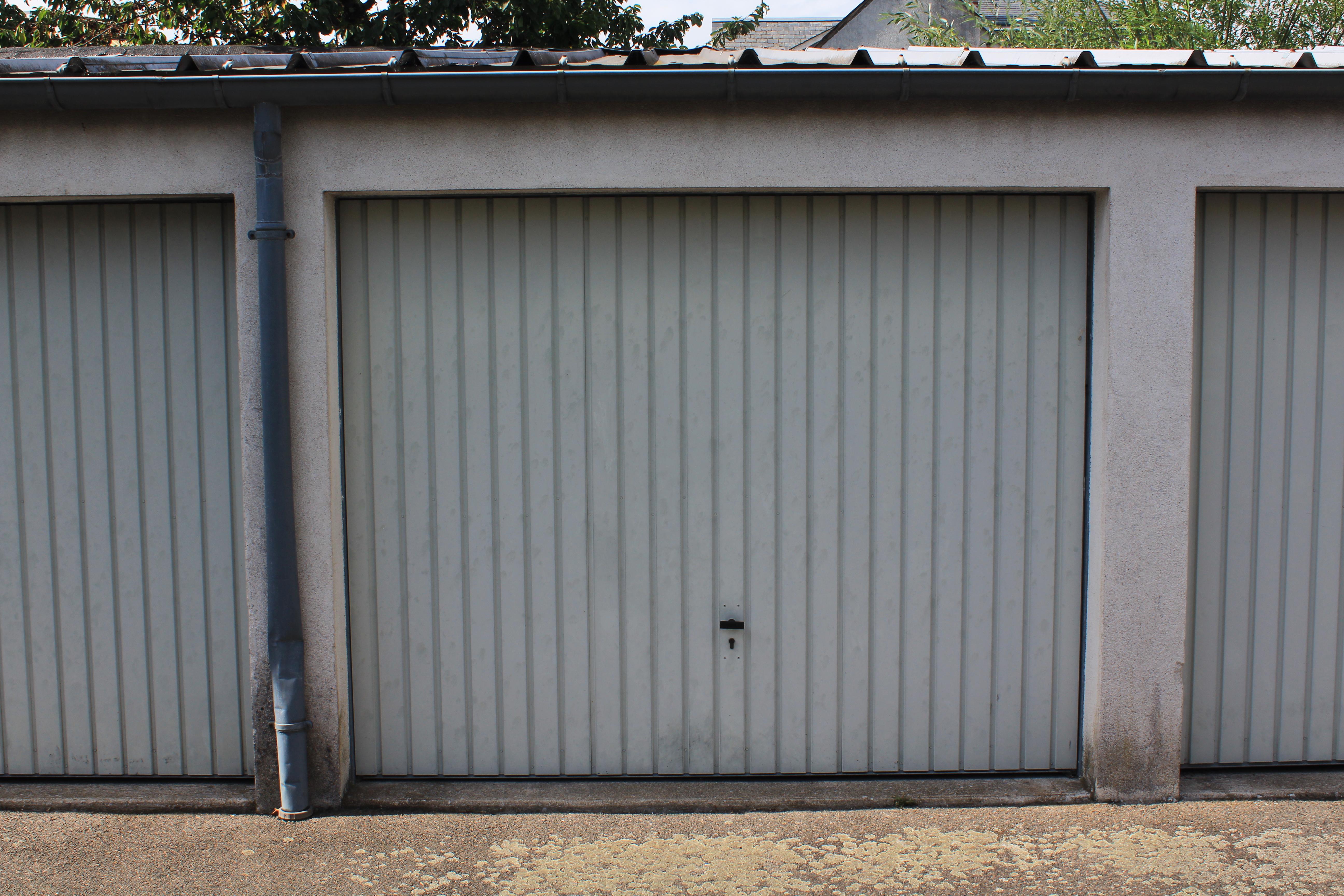 Partager rechercher un garage for Porte garage securisee